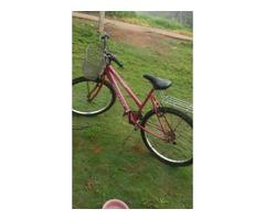 vendo essa bicicleta semi nova por apenas 200,00